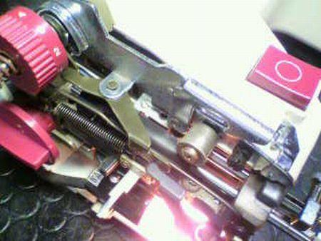 リッカーミシン修理|マイティB3|糸通し機