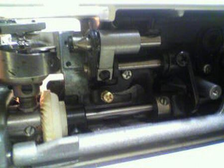 リッカーミシン修理|マイティ80|釜|送り歯
